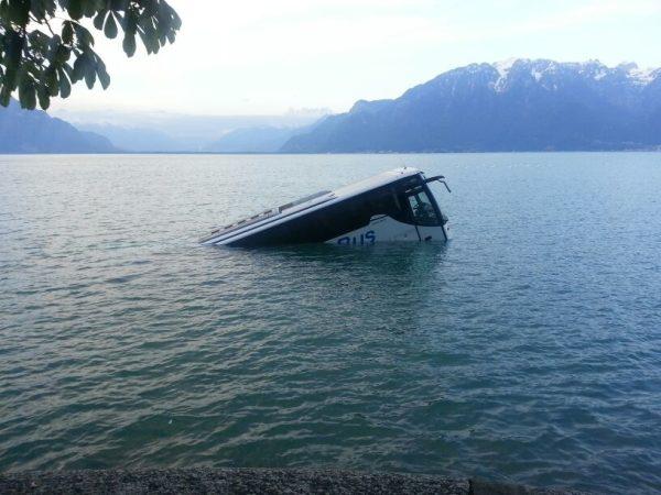 Ônibus no Lago Léman Crédito: AFP, Keystone