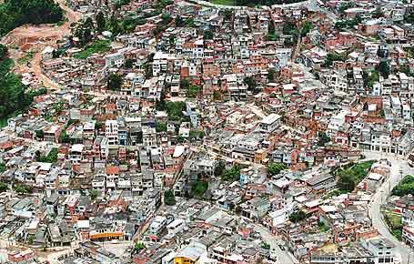 Aglomeração urbana em pouco espaço
