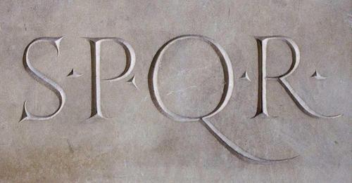 Senatus populusque romanus O Senado e o povo romano