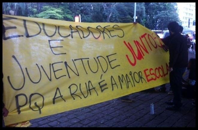 A rua é a maior escola... Manifestações de 7 out° 2013, RJ Foto Estadão