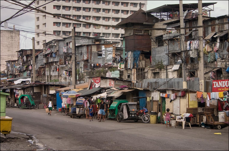 Manila, capital das Filipinas (Qualquer semelhança com nossa paisagem urbana pode não ser mera coincidência)