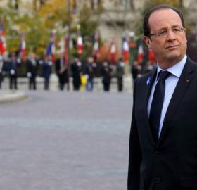François Hollande vaiado 11 nov° 2013