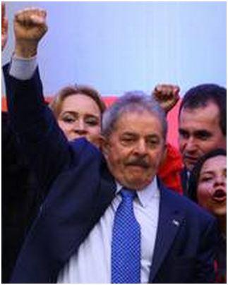 Lula de punho em riste ― 2013