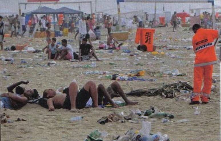 Praia de Copacabana, 1° jan 2014 Credit: Cezar Loureiro, O Globo