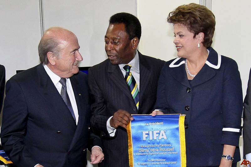 Blatter, Pelé & Dilma Reparem: a Fifa pisoteou a grafia do sobrenome presidencial