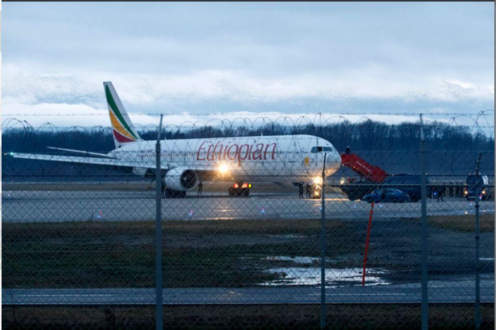Avião sequestrado e desviado a Genebra Foto: SIPA