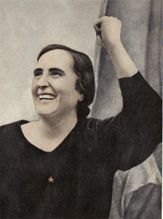 """Dolores Ibarruri, la Pasionaria """"Más vale morir de pié que vivir de rodillas"""""""