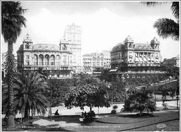 Os dois soberbos Palacetes Prates, em São Paulo (ambos já substituídos por insossas torres de vidro) Foto de Theodor Preising (1883-1962), fotógrafo alemão