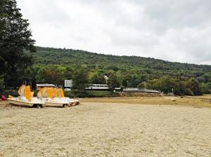 Represa de Chambod, França esvaziada a cada 10 anos para limpeza