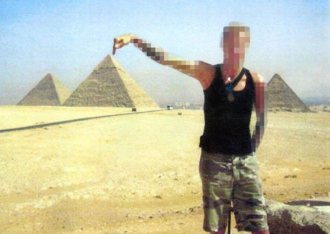 """O """"paralítico"""" de férias no Egito"""