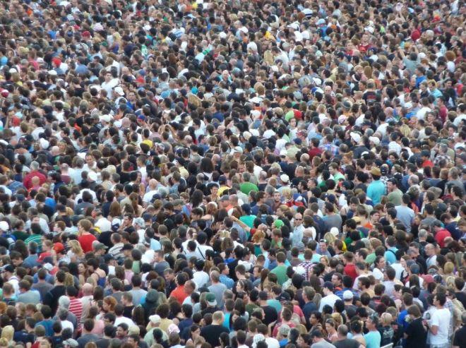 Multidão 3