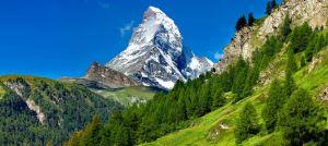 Matterhorn (Monte Cervino), cume emblemático dos Alpes suíços