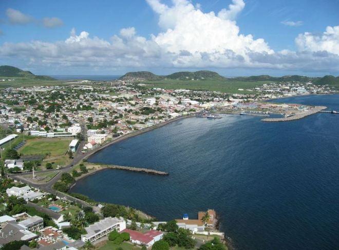 Vista geral de Basseterre, capital de São Cristóvão e Névis