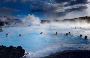 Islândia: banho em piscina termal natural