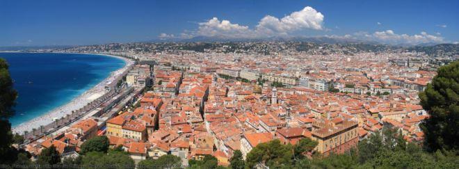 Cidade de Nice, que já foi lígure, grega, romana, ostrogótica, saboiana, piemontesa e italiana. Hoje faz parte da República Francesa.